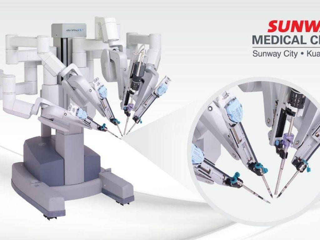 Mengubah Operasi Kanker Lambung dan Kolorektal dengan Robotik