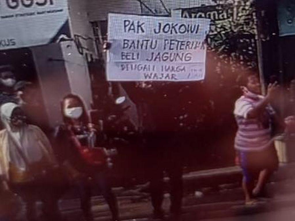 Ini Kabar Terbaru Warga yang Ditangkap Saat Bentangkan Poster di Kunjungan Jokowi