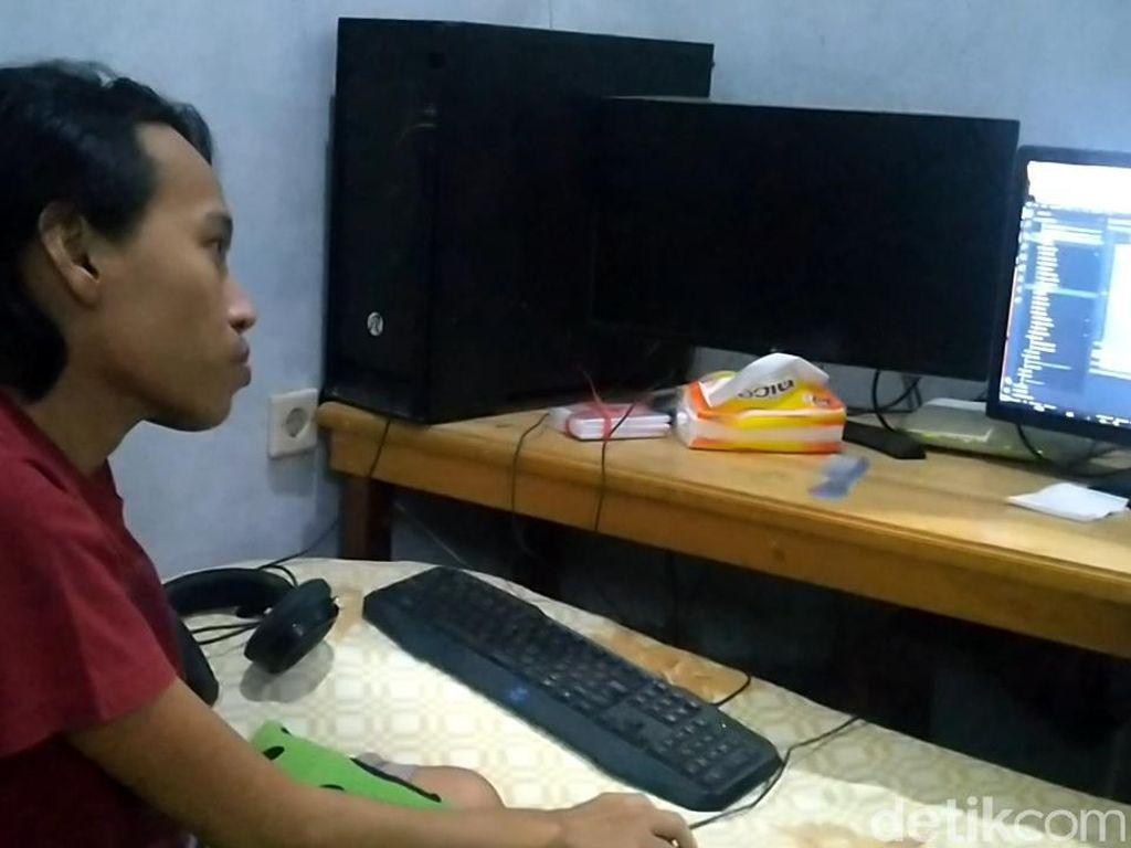 Pemuda Difabel Jago Coding Dibayar Pakai Dollar