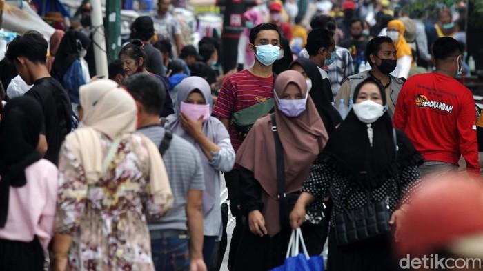 Positivity Rate Covid-19 Indonesia Cetak Rekor Terendah, Sudah Aman?
