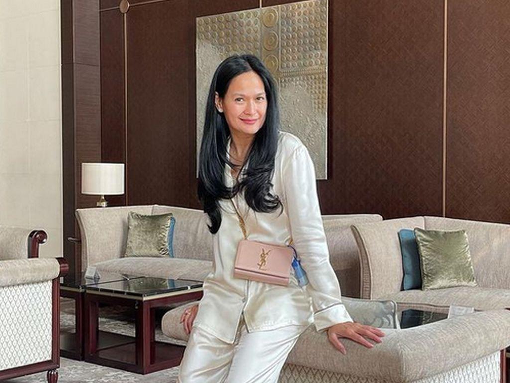 Penampilan Muda Donna Harun di Usia 53, Lebih Cocok Jadi Kakak Ricky Harun