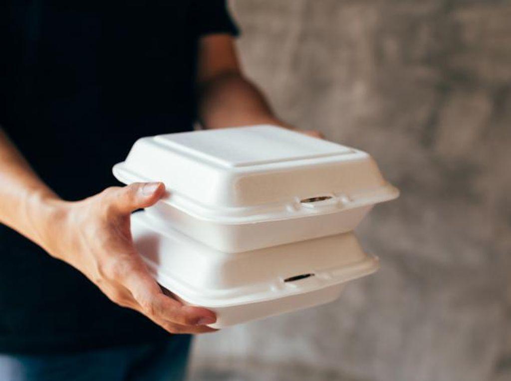 Viral Driver Ojol Antar Makanan ke Pelanggan yang Lokasinya di Depan Rumah