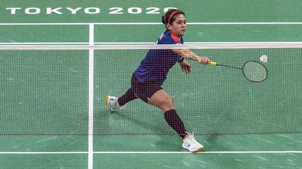 Leani Ratri Oktila of Indonesia competes in the badminton women's singles SL4 gold medal match against Hefang Cheng of China at the Tokyo 2020 Paralympic Games in Tokyo, Sunday, Sept. 5, 2021. (Joe Toth for OIS via AP)
