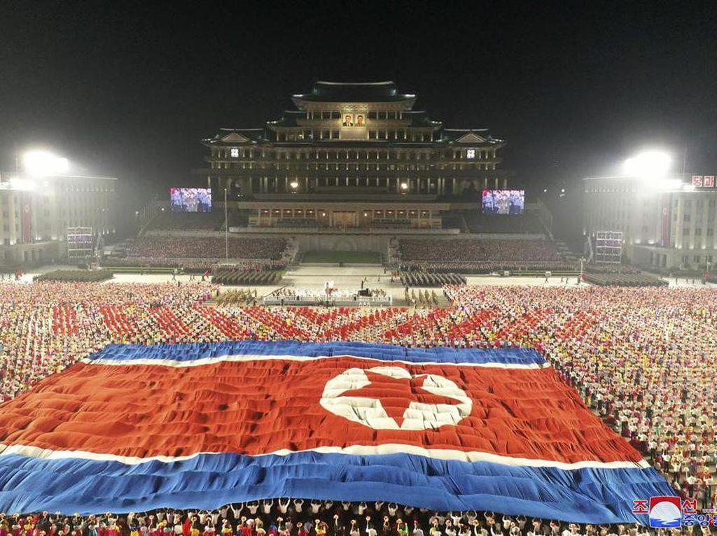 Parade Militer Tak Biasa dari Korea Utara