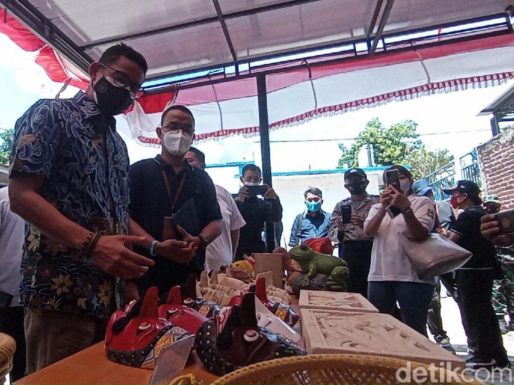 Sandiaga Uno Anugerahi Gegesik Kulon Cirebon Jadi Desa Wisata Terbaik