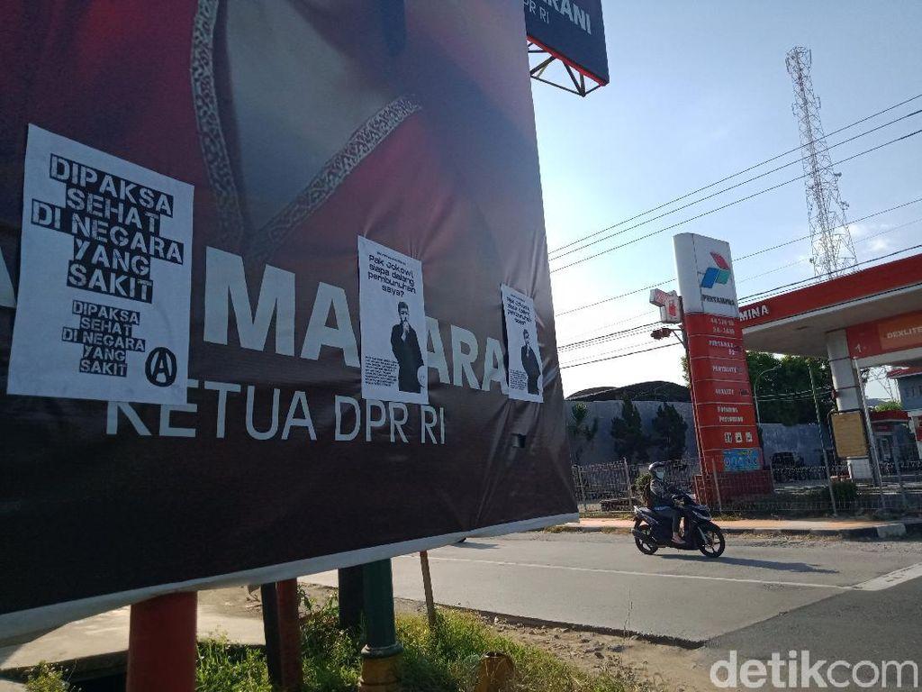 Selebaran Dipaksa Sehat di Negara Sakit Nempel di Baliho Puan di Klaten