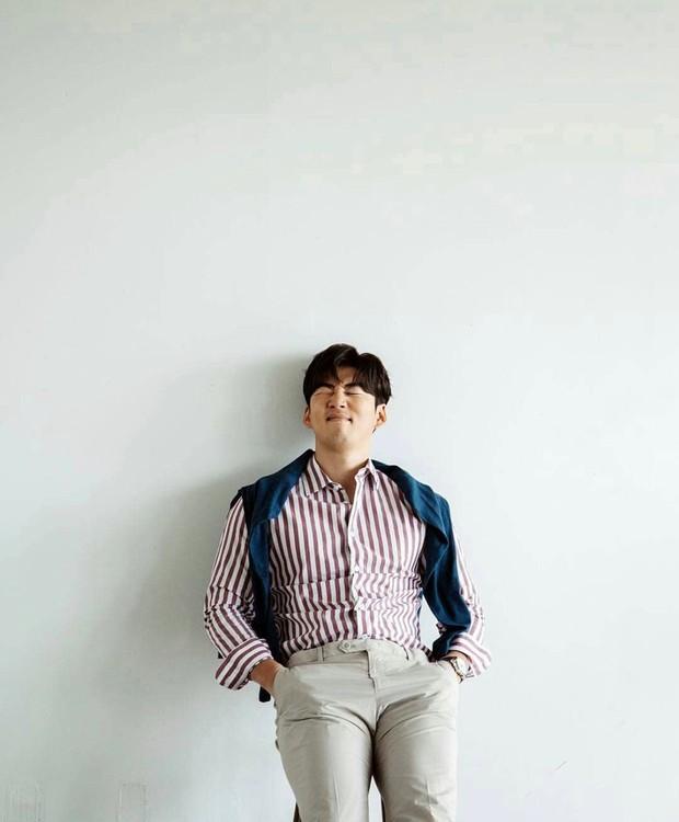 Salah satu artis generasi satu pada masanya, yaitu Yoon Kye Sang g.o.d, juga mengumumkan pernikahannya di 2021 ini.