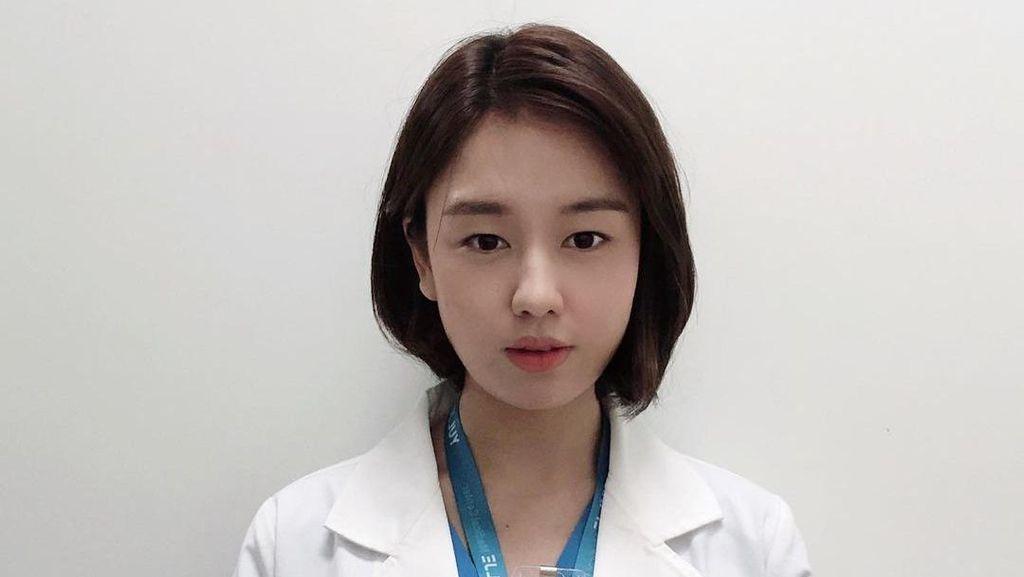 Kocak dan Cantik! 10 Potret Ahn Eun Jin Pemeran Chu Min Ha di Hospital Playlist
