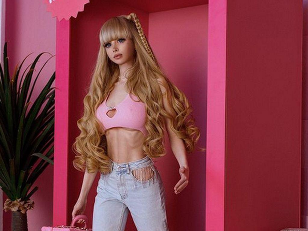 Sisi Gelap di Balik Wanita Secantik Barbie, Penuh Pengorbanan