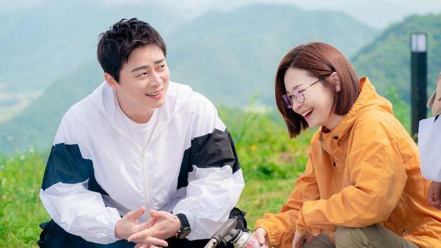 Ik-Song Couple alias Lee Ik-jun (Jo Jung-suk) dan Chae Song-hwa (Jeon Mi-do) di Hospital Playlist 2.