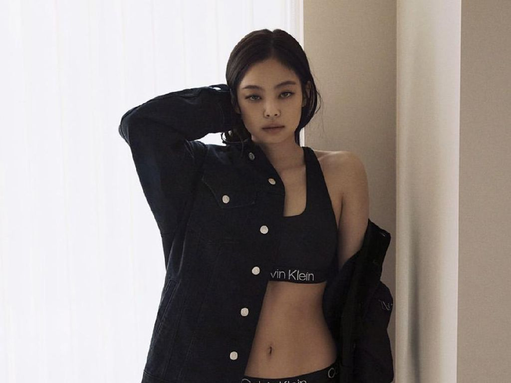 10 Potret Seksi Jennie BLACKPINK dalam Pemotretan Calvin Klein, Bikin Histeris