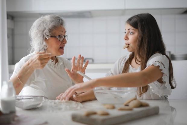 Độc thân ở độ tuổi 30 nghĩa là bạn vẫn còn nhiều thời gian để dành cho cha mẹ và những người thân yêu của mình.