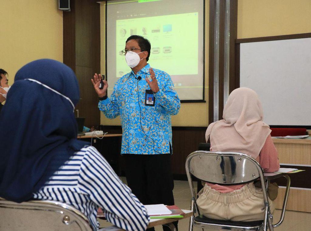 Sejumlah Rektor Mengaku di Depan Jokowi Belum Siap Buka Kampus
