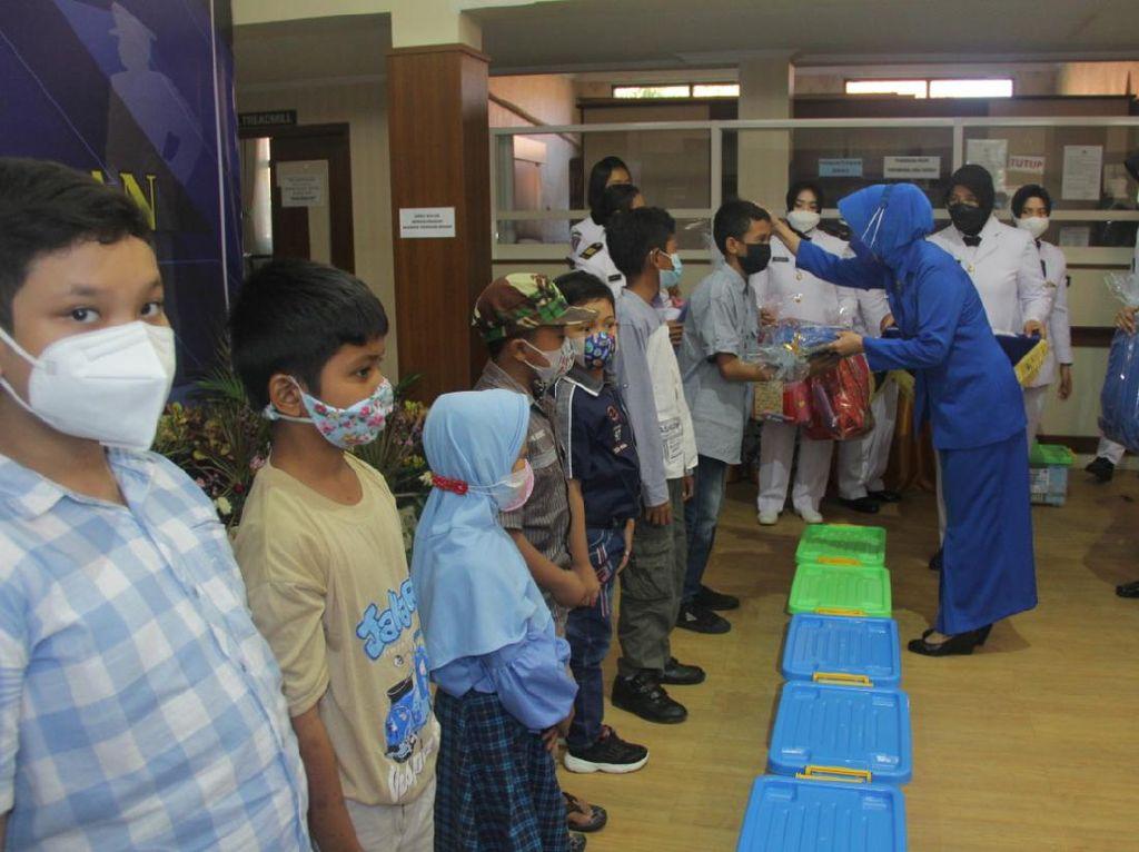 Peringati HUT ke-76 TNI AL, RSPAL dr Ramelan Beri Tali Asih ke Anak Yatim Piatu