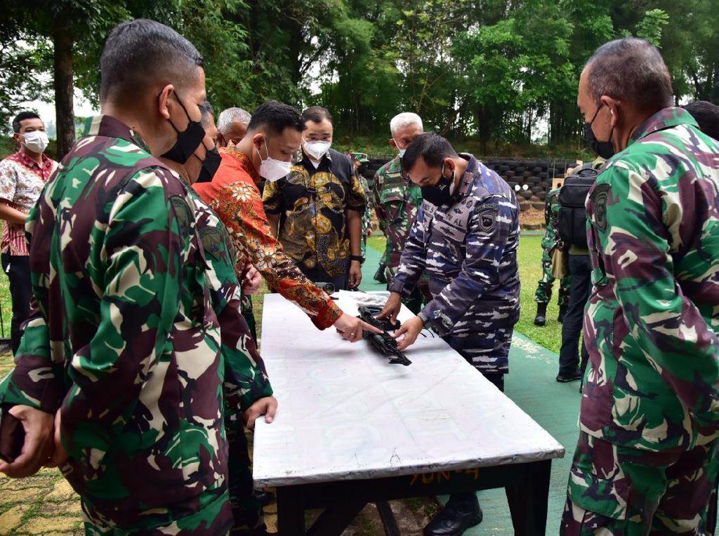 TNI AL Uji Coba Senjata Baru Berkaliber 5,56 mm Buatan Bulgaria