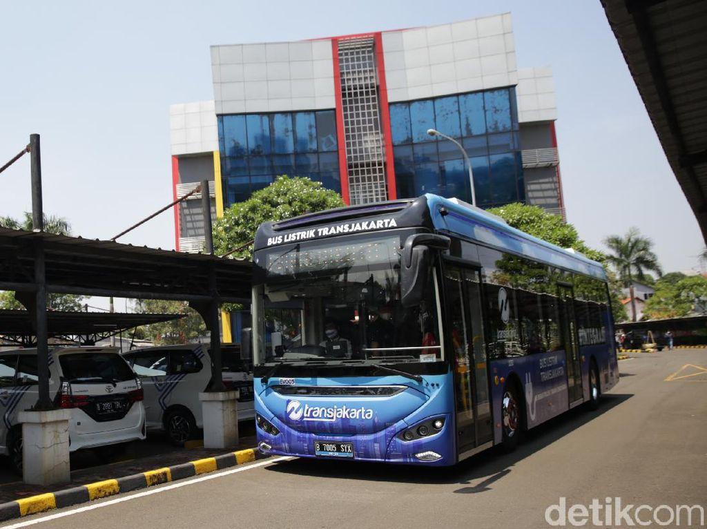 Tahun 2025, Pemprov DKI Setop Beli Bus Berbahan Bakar Solar