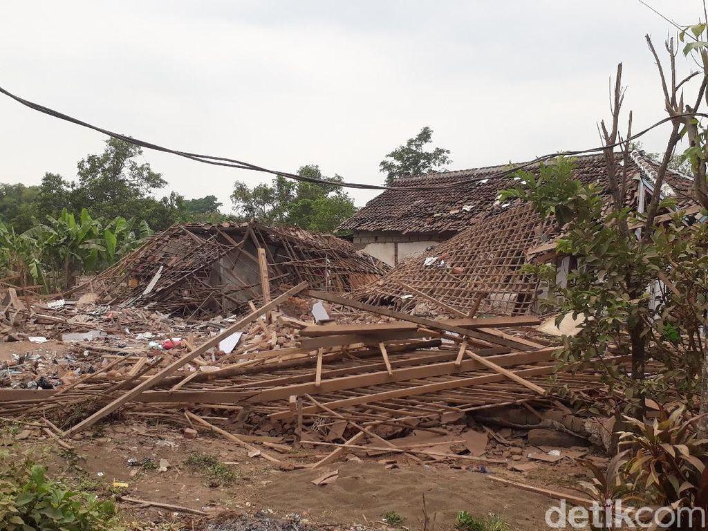 Dahsyatnya Ledakan yang Hancurkan Rumah dan Tewaskan Dua Orang di Pasuruan