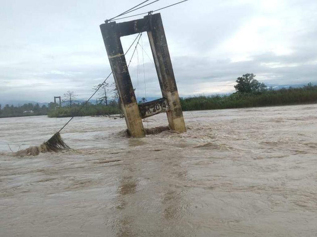 BPBD Lutra Salurkan Bantuan ke Korban Banjir Bandang 2020 Lalu
