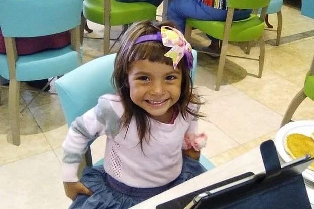 kejeniusan Adhara terlihat sejak berusia 3 tahun