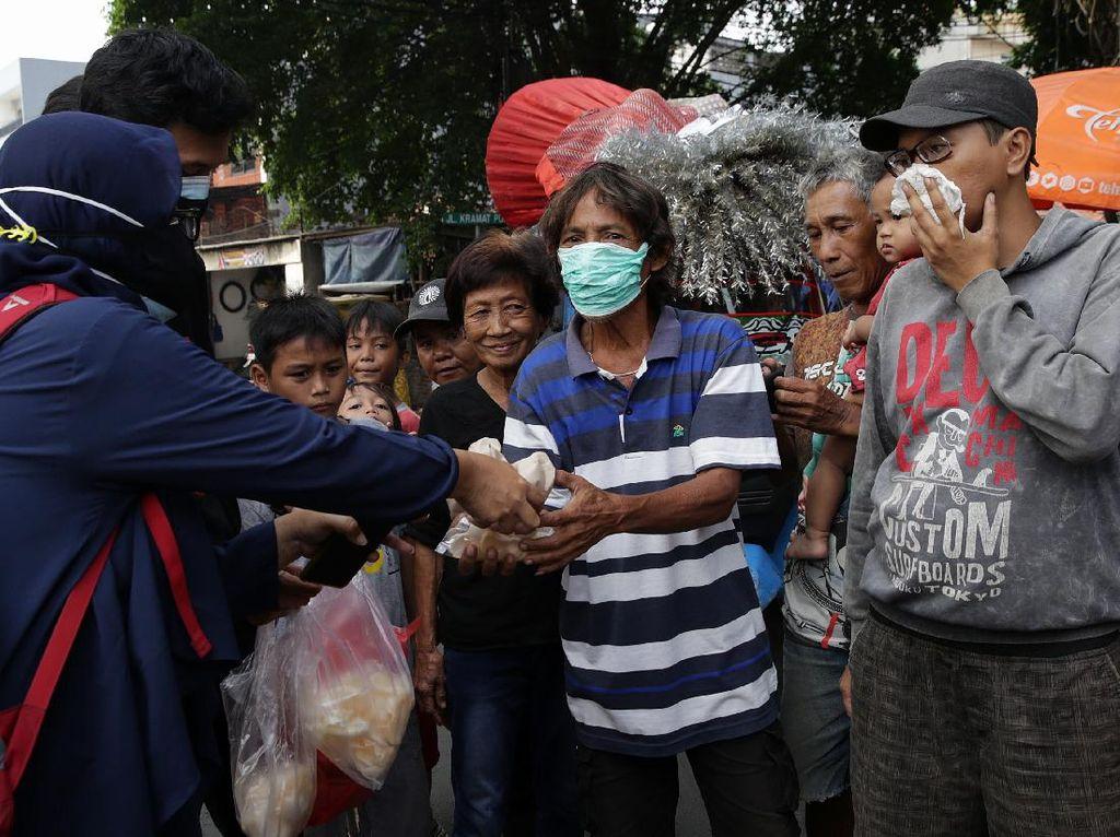 Omzet Ambyar saat Pandemi COVID-19, Muncul Gerakan Borong UMKM
