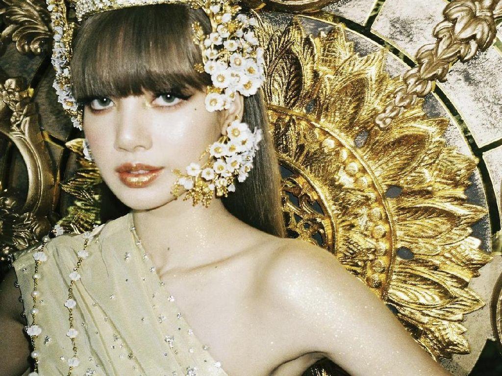 Lisa BLACKPINK Bikin Aksesoris Tradisional Thailand Laris Manis!