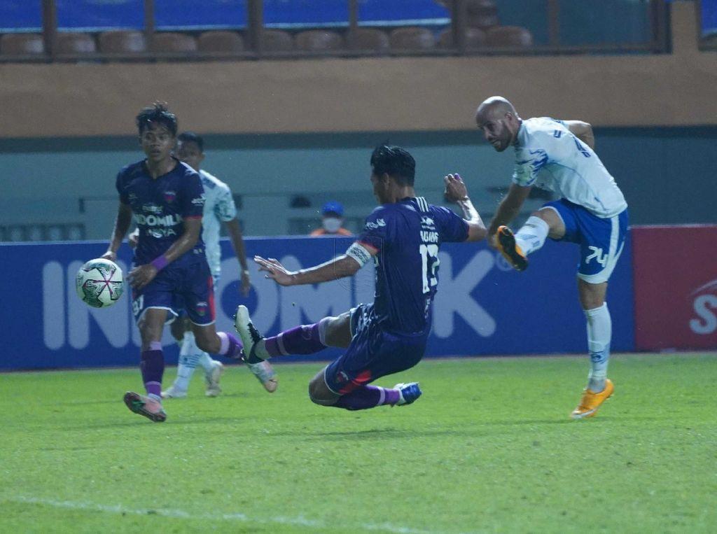 Persita Vs Persib: Maung Bandung Menang 2-1