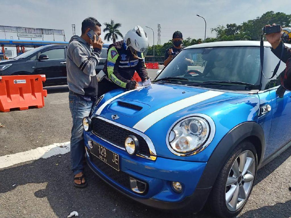 Ganjil Genap di Puncak Bogor, Jangan Tipu Polisi Pakai Nomor Palsu!