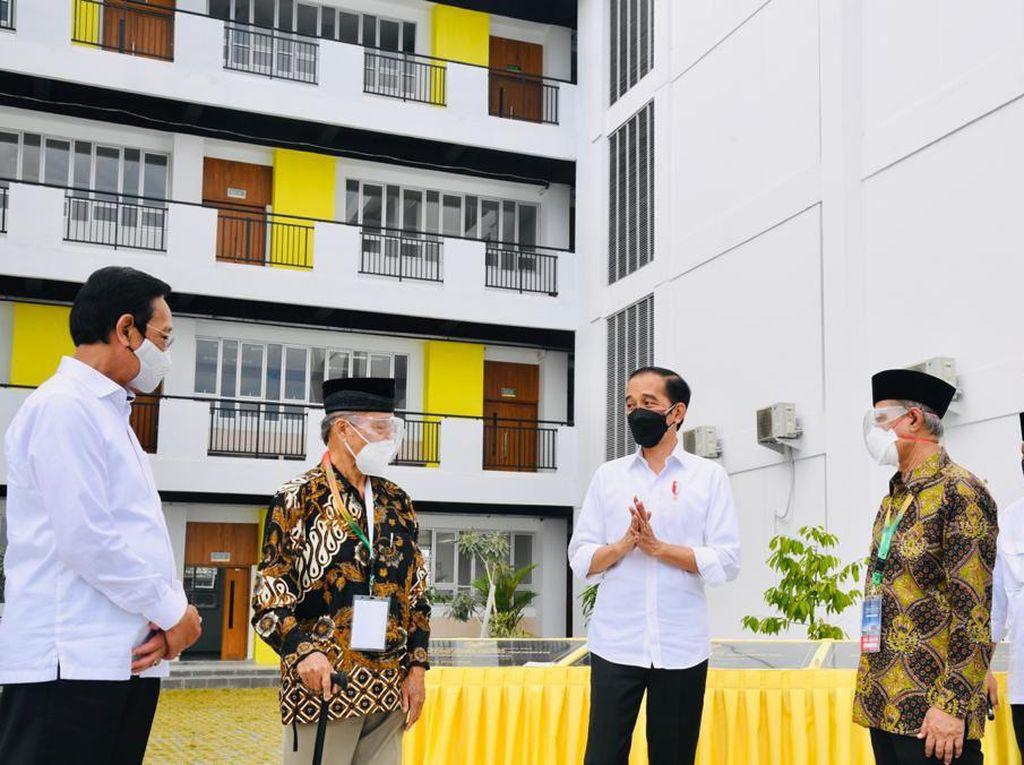 Jokowi Teken Prasasti Rusun-Masjid di Madrasah Muallimin Yogya