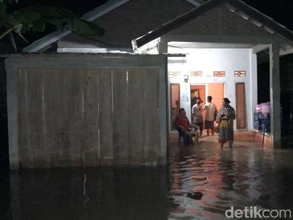 Hujan Deras 2 Jam, 50 Rumah Warga Polman Terendam Banjir