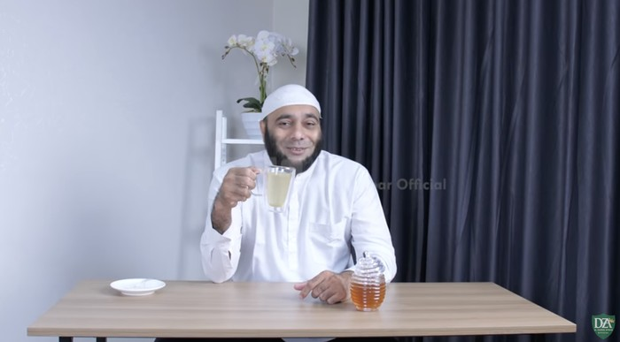 Selain Menyehatkan, dr Zaidul Akbar Ungkap Keberkahan Air Madu