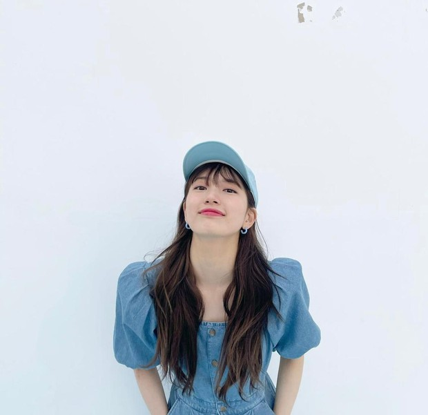 Selain Park Shin Hye, artis cantik Bae Suzy juga memiliki sedikit haters. Idol sekaligus aktris ini dicintai karena dinilai memiliki karisma dan kecantikan yang menawan.