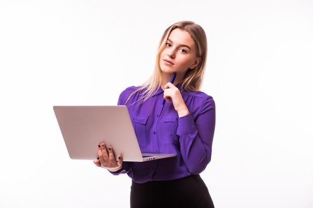 Jangan mengosongkan bodi email ketika melamar kerja | Foto : freepik/diana.grytsku