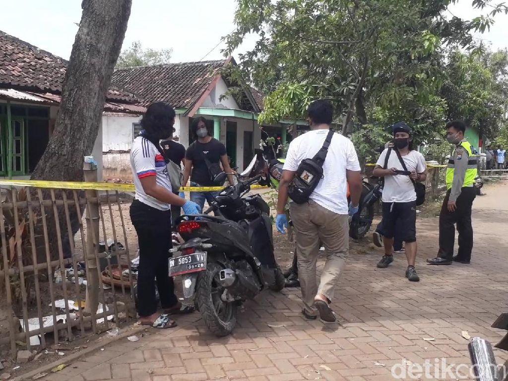 Polisi Amankan Motor dari Reruntuhan Ledakan Tewaskan 2 Orang di Pasuruan