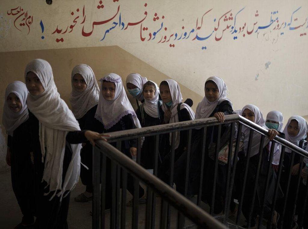 Kabar Gembira! Sebagian Anak Perempuan Afghanistan Bisa Sekolah Lagi