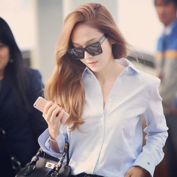 Jessica Jung với Túi đựng dụng cụ Herms