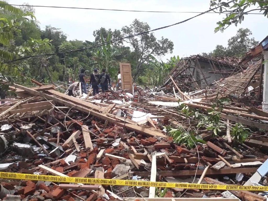 Menelusuri Penjualan Bondet dari Rumah Produksi di Pasuruan yang Hancur