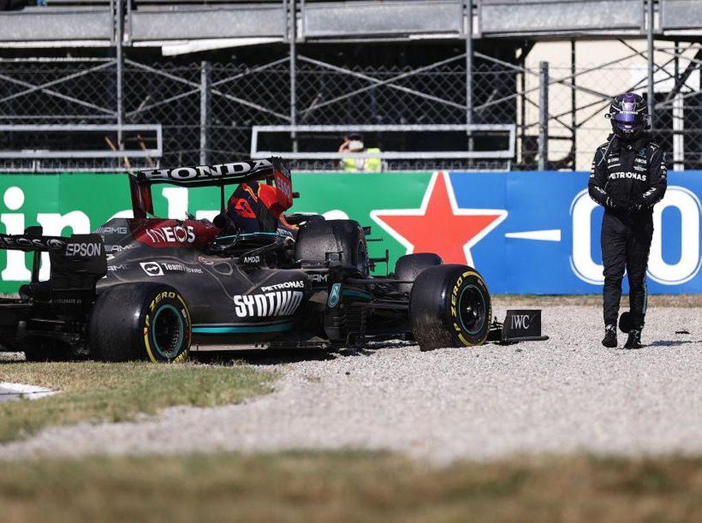 F1 GP Italia: Halo Selamatkan Hamilton Saat Crash dengan Verstappen
