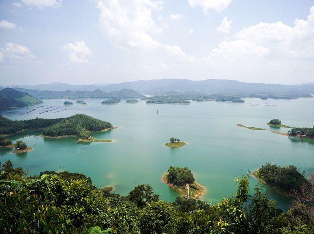 Sandiaga Minta Netizen Beri Nama Tempat Wisata Riau yang Mirip Raja Ampat