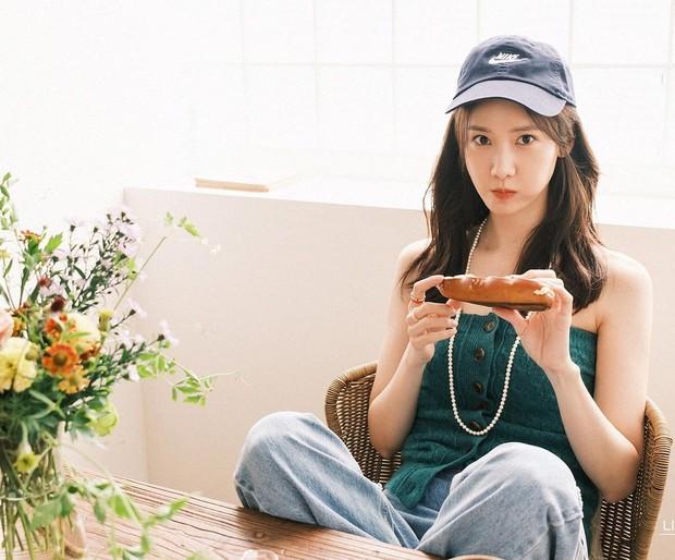 Yoona SNSD juga mengonfirmasi akan bintangi film bersama Kim Seon Ho