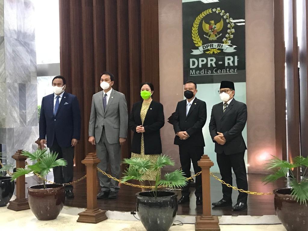 Pimpinan DPR Rapat Hari Ini Cek Surat Golkar soal Pengganti Azis Syamsuddin