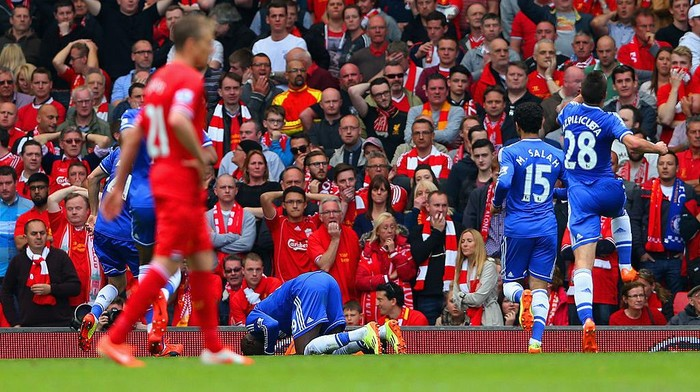 LIVERPOOL, ENGLAND - APRIL 27:  Demba Ba of Chelsea celebrates scoring the opening goal during the Barclays Premier League match between Liverpool and Chelsea at Anfield on April 27, 2014 in Liverpool, England.  (Photo by Clive Brunskill/Getty Images)