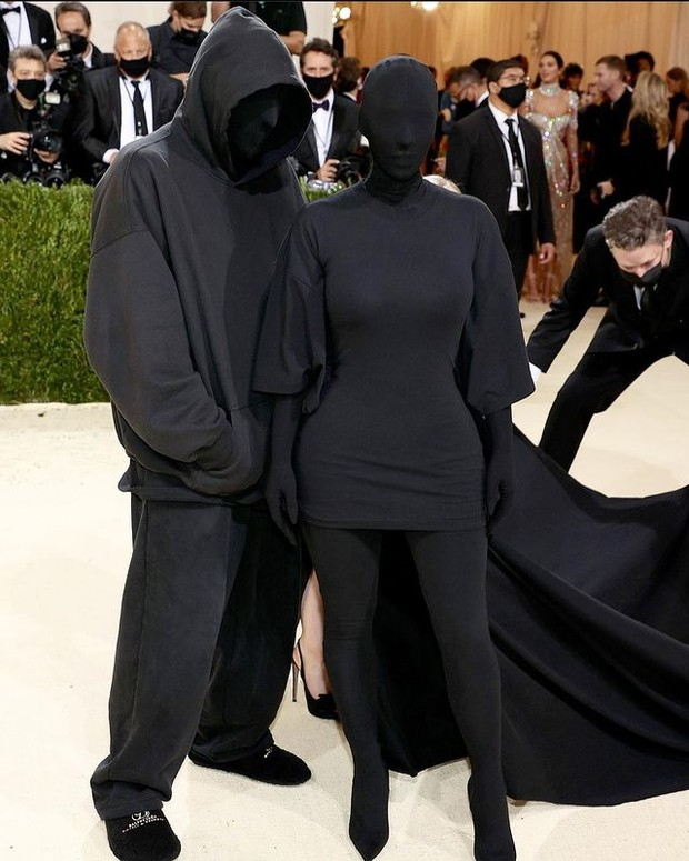 Couple terakhir ada Kim Kardashian dan Kanye West.