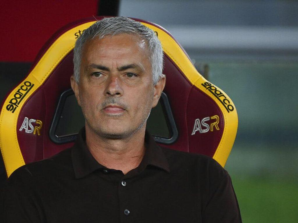 Canda Mourinho Rayakan 1.000 Laga: Untung Nggak Cedera