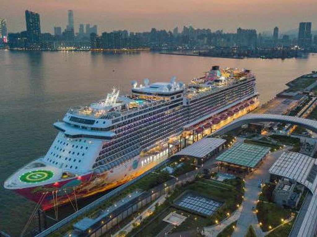 Tak Bisa ke Mana-mana, Warga Hong Kong Ditawari Pelayaran Murah ke Antah Berantah