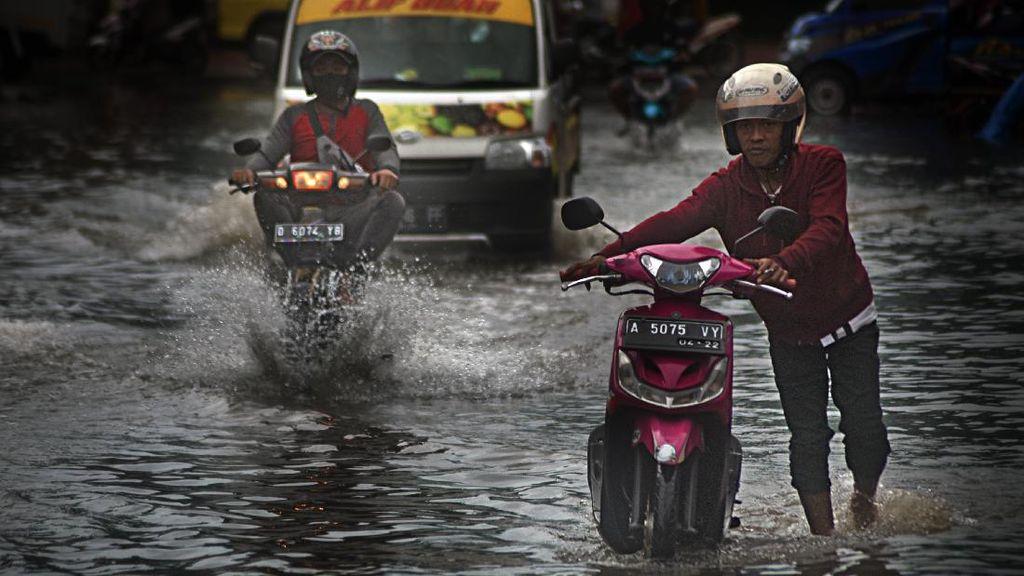 Kawasan Pasar Induk Rau di Serang Kebanjiran, Ini Penyebabnya