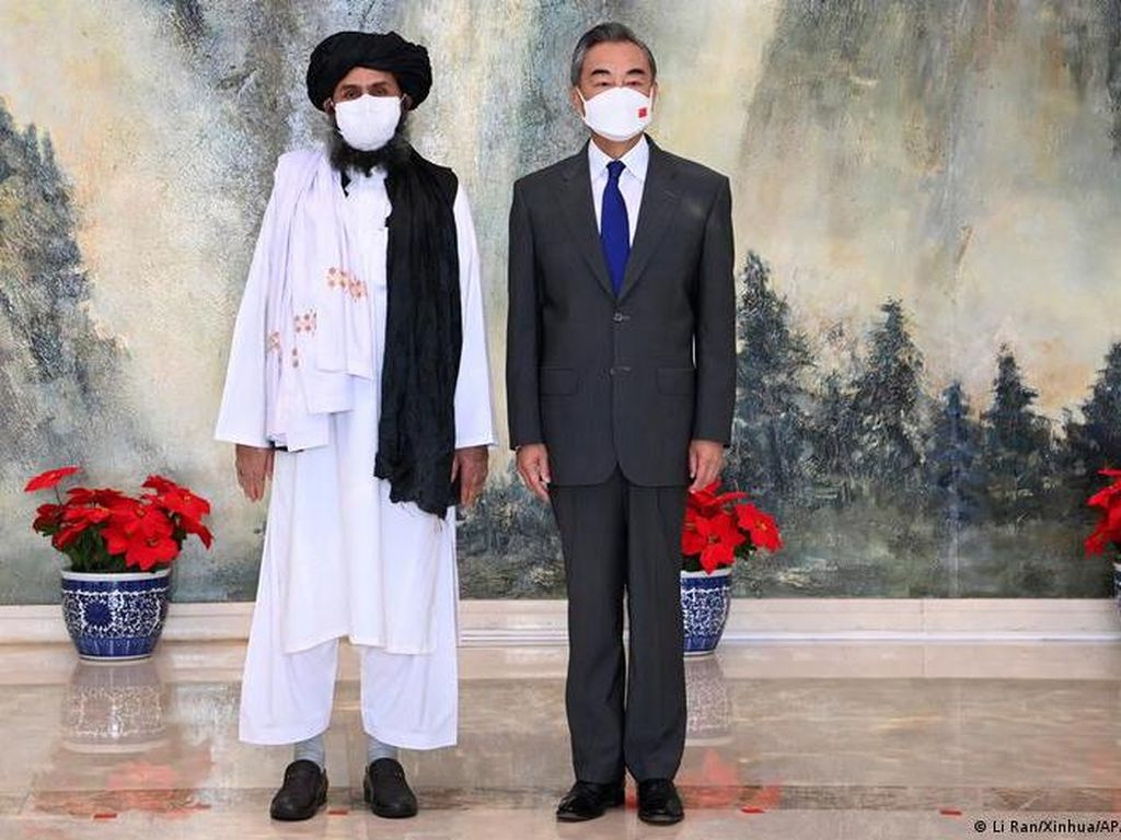 Ketika Barat Masih Diskusikan Bantuan ke Afghanistan, China Gerak Cepat