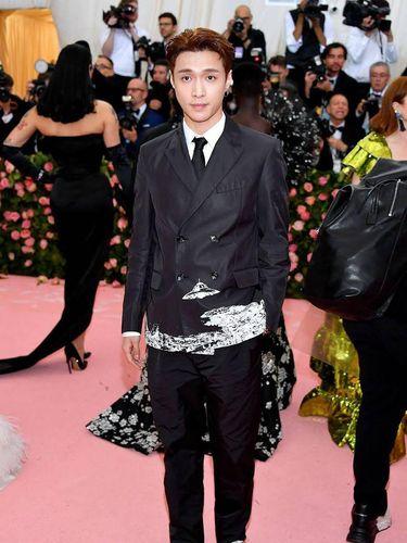 Gaya keren Lay EXO di Met Gala 2019