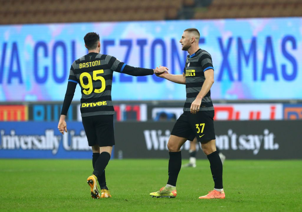 MILAN, ITALY - AUGUST 21: Milan Skriniar of FC Internazionale celebrates after scoring the opening goal during the Serie A match between FC Internazionale v Genoa CFC at Stadio Giuseppe Meazza on August 21, 2021 in Milan, Italy. (Photo by Marco Luzzani/Getty Images)