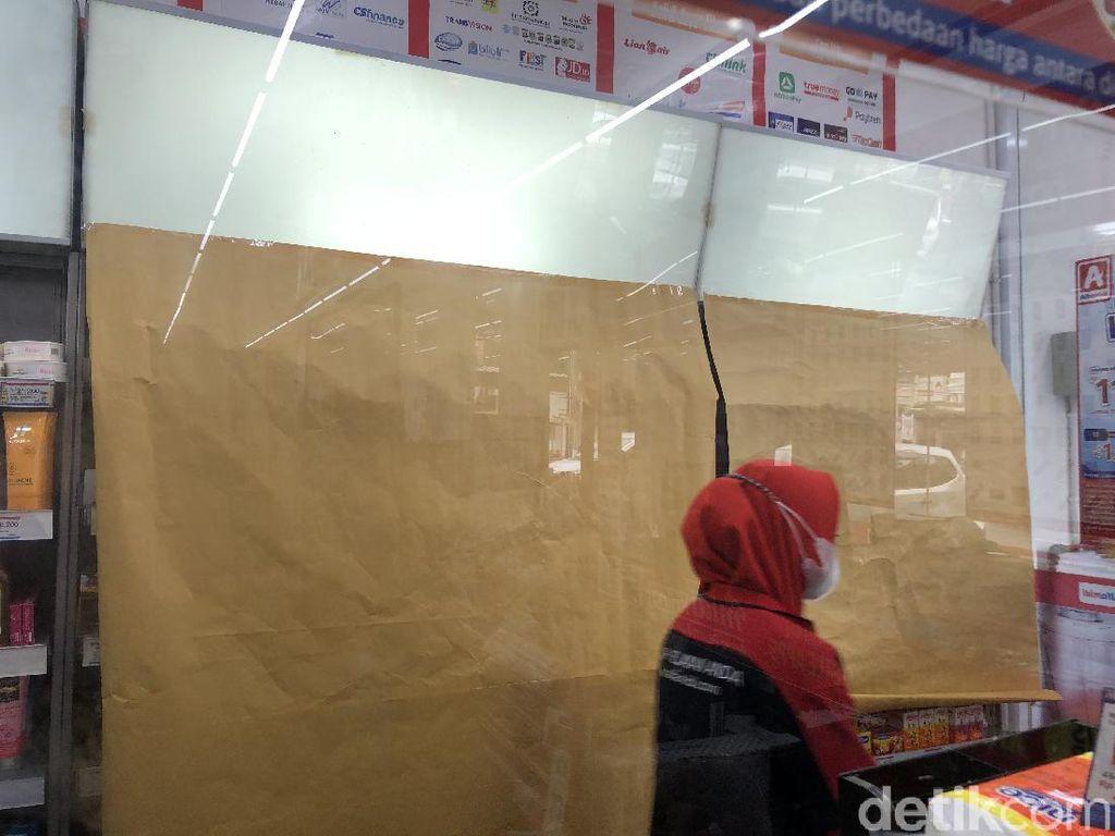 Anies Larang Rokok Dipajang di Minimarket, Pengusaha: Jangan Berlebihan!