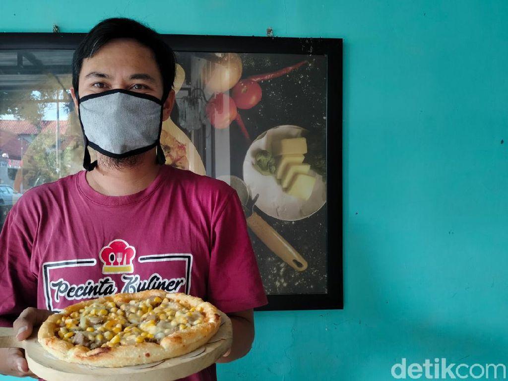 Kisah Penjual Pizza di Majalengka Gratiskan Ongkir Demi Hobi Fotografinya